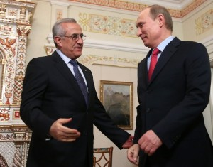 Russian President Vladimir Putin (r), meets with Lebanese President Michel Suleiman in the Novo-Ogaryovo residence outside Moscow. [AP]