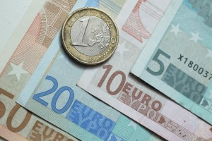 The euro fell on news that European economies still faced first quarter recession [Getty Images]