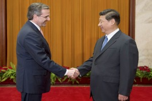 Samaras with Chinese President Xi Jinping (Xinhua Images)