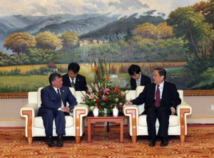 King Abdullah, left, will fly to Beijing on a three-day state visit [Xinhua]