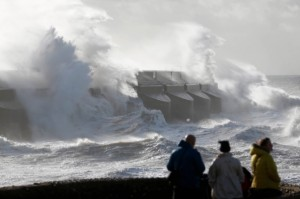 The Met Office said a gust of wind was recorded at 99mph (159km/h) on the Isle of Wight at 05:00 am GMT [AP]