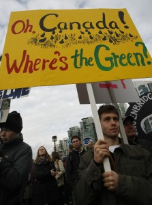 Demonstrations in Vancouver, British Columbia have called on Canada and other developed countries to do more to combat climate change [Xinhua]