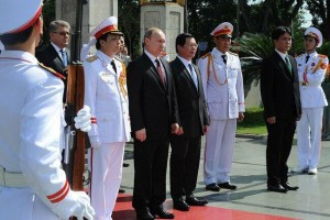 Putin will discuss trade, energy and military cooperation with Vietnamese President Truong Tan Sang [PPIO]