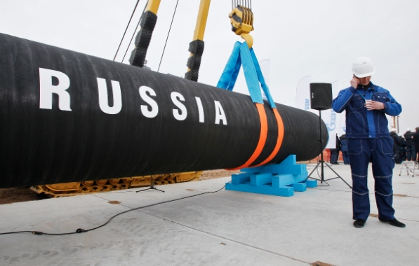 Russian energy giant Gazprom is currently negotiating a long-term agreement with China to supply it with an annual 38 billion cubic meters of natural gas [AP]