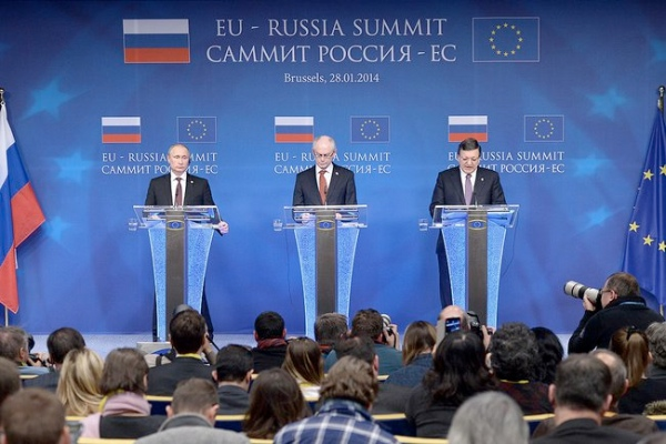 Putin (left) at the Joint news conference following the Russia-EU summit [PPIO]