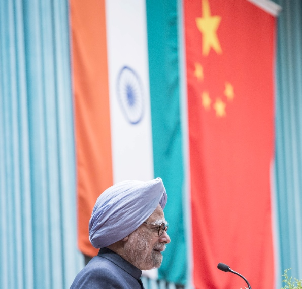 Indian Prime Minister Manmohan Singh delivers a speech at the Party School of the Communist Party of China (CPC) Central Committee in Beijing, capital of China, Oct. 24, 2013 [Xinhua]