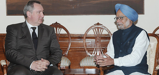 Russian Deputy Prime Minister Dmitry Rogozin met Indian Prime Minister Manmohan Singh in New Delhi on Wednesday 26 February 2014 [MEA]
