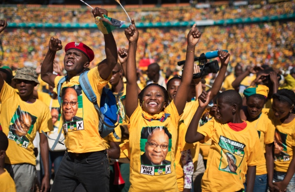 Excited supporters cheer for South African President Jacob Zuma at a final African National Congress (ANC) election rally in the Soweto township of Johannesburg, South Africa Sunday May 4, 2014 [AP]