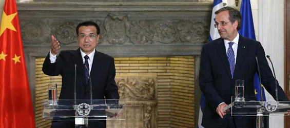Chinese Premier Li Keqiang with his Greek counterpart Antonis Samaras at a joint press conference on 19 June 2014 in Athens, Greece [AP]