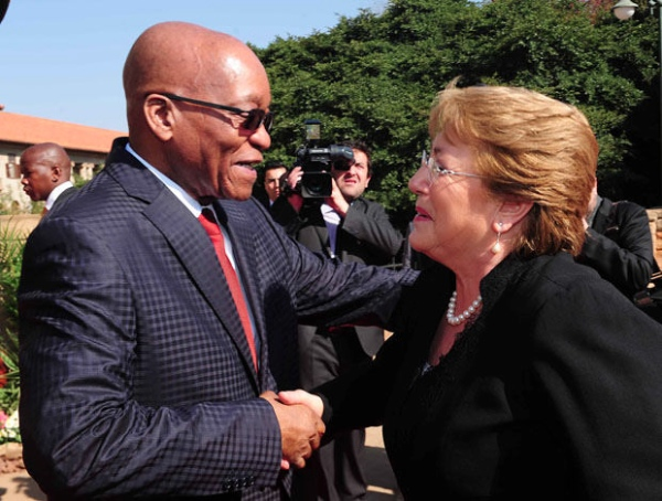 South African President Jacob Zuma greets Chilean President Bachelet at the Union Buildings in Pretoria on 8 August 2014 [GCIS]