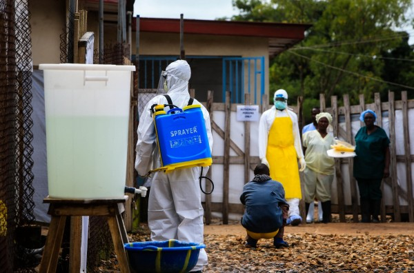 Medical workers combat the Ebola virus in eastern Sierra Leone. Guinea, Liberia and Nigeria have also reported hundreds of cases of infection [Xinhua]