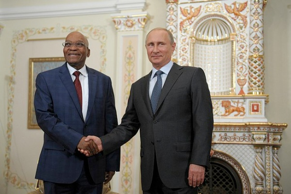 Russian President Vladimir Putin with his South African counterpart Jacob Zuma in on August 28, 2014 [PPIO]