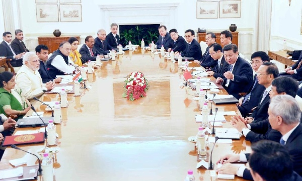 Chinese President Xi Jinping (6th R) holds talks with Indian Prime Minister Narendra Modi in New Delhi, India, Sept. 18, 2014 [Xinhua]