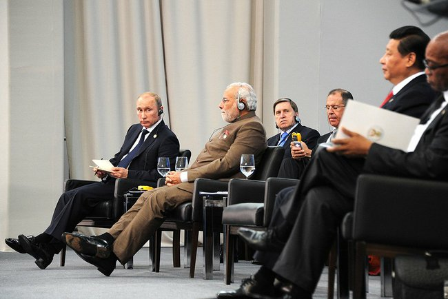 From left to right: Russian President Vladimir Putin, Indian Prime Minister Narendra Modi and Chinese President Xi Jinping at the 6th BRICS Summit in Brazil on 15 July 2014 [PPIO]