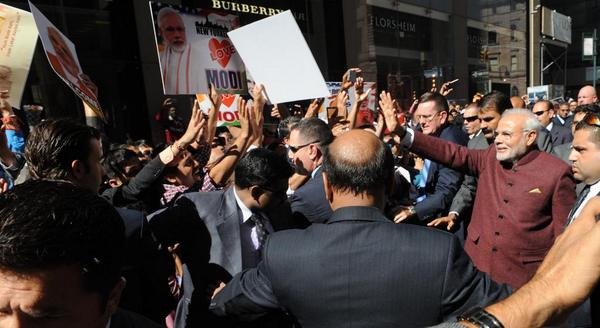Indian Prime Minister Narendra Modi waves to Indian American supporters in New York on 26 September 2014 [MEA, India]