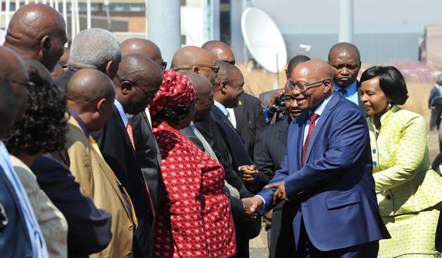President Zuma accompanied by Minister of International Relations and Cooperation Maite Nkoana-Mashabane is introduced to the Basotho delegation by Lesotho Prime Minister Thabane in Masero on 9September 2014 [GCIS]