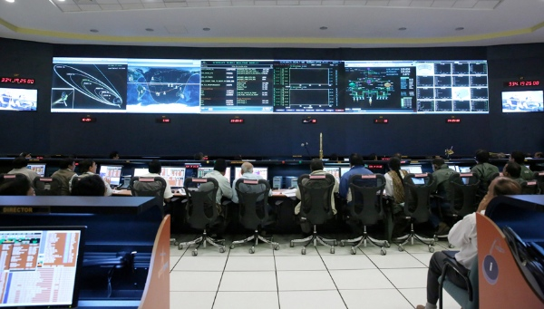 A Panoramic View of the Mars Orbiter Spacecraft Control Centre at ISRO during the Trans Mars Injection Manoeuvre [Image: ISRO]