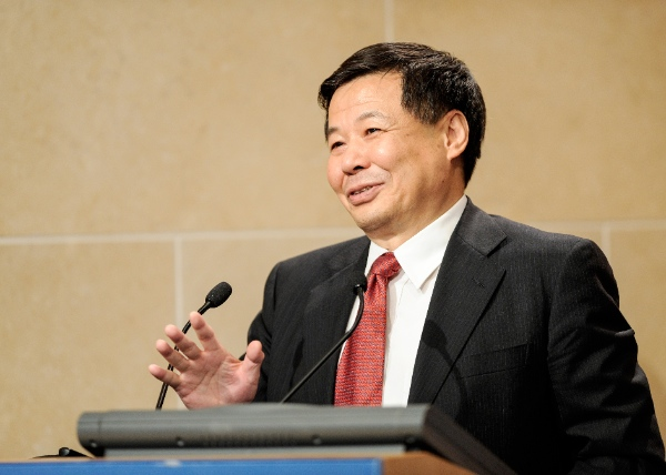 """China's Vice Finance Minister Zhu Guangyao  speaks during a presentation on """"The Global Economy and China-U.S. Economic Relations"""" at the Peterson Institute of International Economics in Washington D.C., capital of the United States, Oct. 8, 2014 [Xinhua]"""