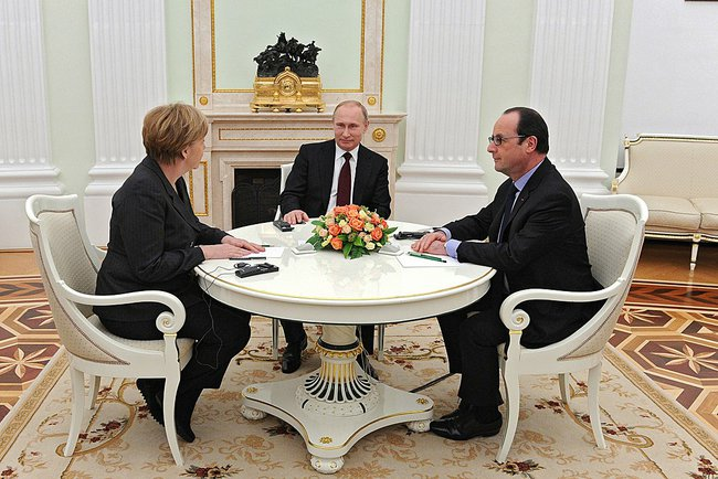 Vladimir Putin met with Federal Chancellor of Germany Angela Merkel and President of France Francois Hollande at the Kremlin on 6th February 2015 [PPIO]
