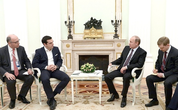 Russian President Vladimir Putin with Greek Prime Minister Alexis Tsipras in Moscow on 8 April 2015 [PPIO]
