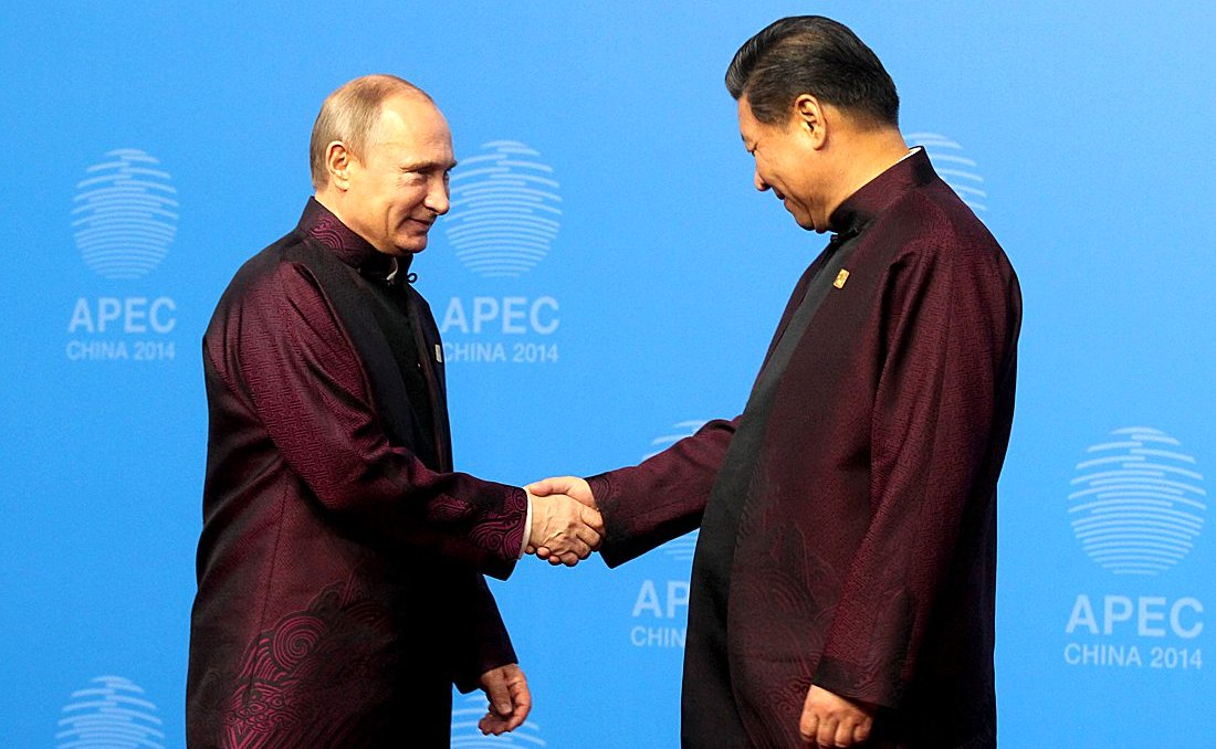 Russian President Vladimir Putin with his Chinese counterpart during the APEC Summit in Beijing on 10 November 2014 [Image: PPIO]