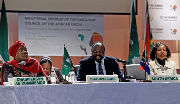 Representatives from 25 African nations signed an initial agreement on Wednesday to create a free-trade zone linking three economic blocs that would unite 57 per cent of the continent's population [GCIS]