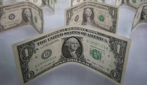 The US dollar has gained against many currencies in the past year and has picked up pace on the back of positive US economic data [Xinhua]