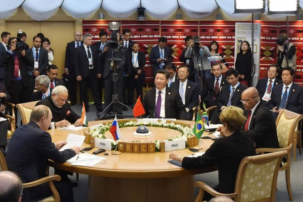 The five leaders of BRICS met in Ufa, Russia on 9 July 2015 [Xinhua]