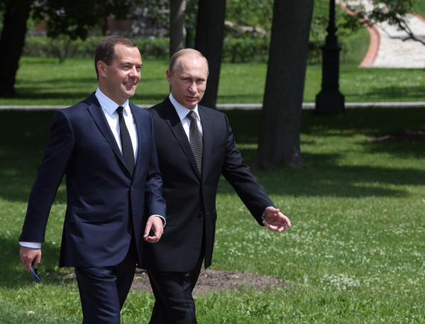 File Photo: Russian Premier Dmitry Medvedev (left) with Russian President Vladimir Putin [Image: Xinhua]