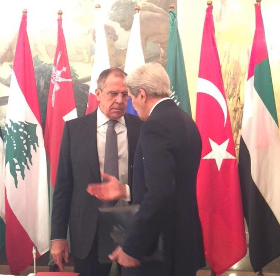 Lavrov and Kerry in an informal chat during a break in talks in Vienna on 30 October 2015 [Image: MFA, Russia]