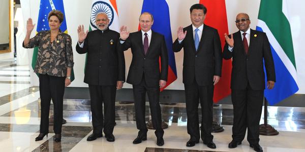 From left to right: Brazilian President Dilma Rousseff, Indian Prime Minister Narendra Modi, Russian President Vladimir Putin, Chinese President Xi Jinping and South African President Jacob Zuma in Antalya, Turkey on 15 November 2015 [Image: Kremlin]