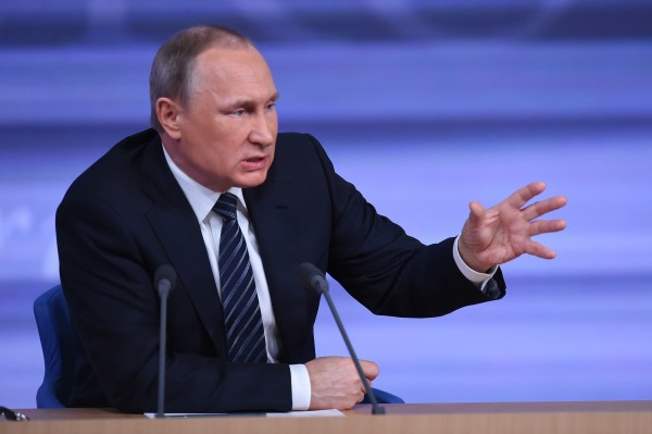 Putin says the US is not fulfilling its obligations in Syria [Xinhua]