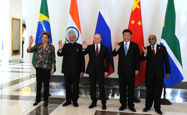 From left to right: Brazilian President Dilma Rousseff, Indian Prime Minister Narendra Modi, Russian President Vladimir Putin, Chinese President Xi Jinping and South African President Jacob Zuma in Antaly, Turkey on 15 November 2015 [Image: PPIO]