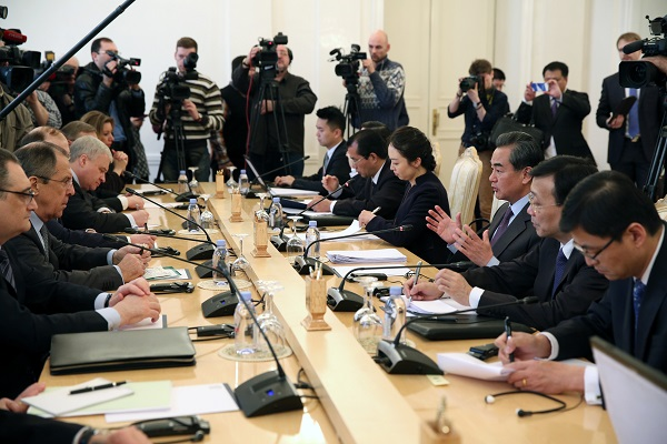 Visiting Chinese Foreign Minister Wang Yi (3rd R) holds talks with his Russian counterpart Sergei Lavrov (2nd L) in Moscow, Russia, on March 11, 2016 [Xinhua]