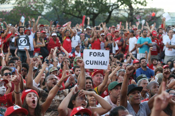 Labor unions and their members have been stalwart defenders of Rousseff and her predecessor, Luiz Inacio Lula da Silva, whom they see as champions of the Brazilian working classes [Image: PT Brasil]