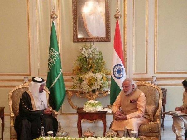 Head of Saudi_Aramco Khalid A. Al Falih with Indian Prime Minister Narendra Modi in Riyadh, Saudi Arabia on 3rd March 2016 [Image: MEA, India]