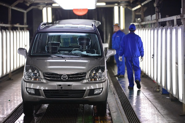 "A ""Beidouxing X5"" rolls off the assembly line in Changhe Automobile Co. in east China's Jiangxi Province [Xinhua]"