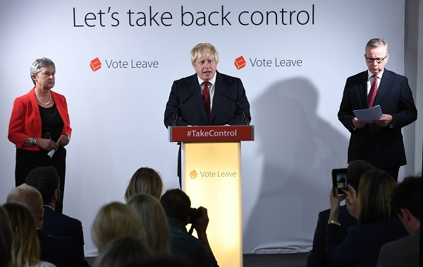 "Former London Mayor and ""Vote Leave"" campaigner Boris Johnson (C) speaks during a press conference in London, Britain, June 24, 2016 [Xinhua]"