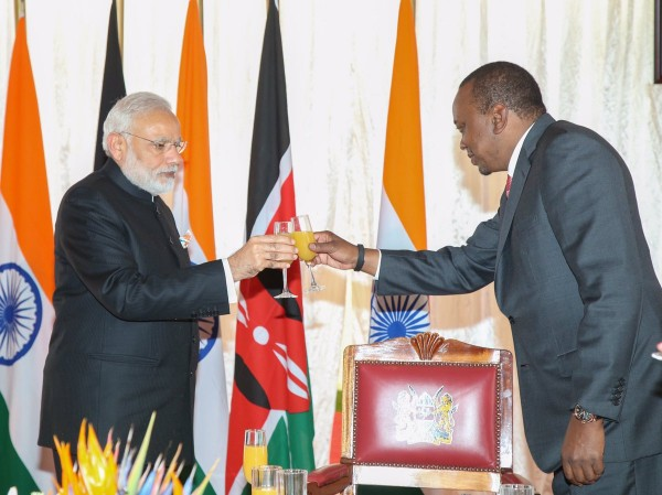 Kenyan President hosts Indian Prime Minister Narendra Modi at a State House banquet in Nairobi on 11 July 2016 [Image: President's Office, Kenya]