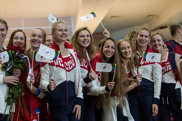 Russian athletes bound for Rio at the Sheremetyevo airport in Moscow, Russia, July 28, 2016 [Xinhua]