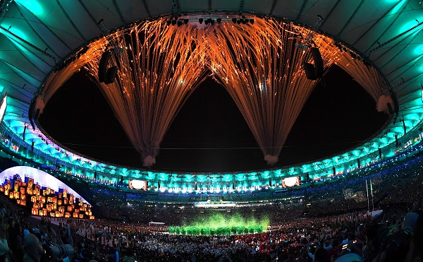 Fireworks at during the opening ceremony of the 2016 Rio Olympic Games at Maracana Stadium in Rio de Janeiro, Brazil, Aug. 5, 2016 [Xinhua]
