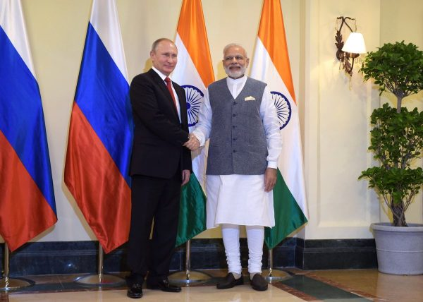 Indian Prime Minister Narendra Modi with Russian President Vladimir Putin at a bilateral summit in Goa, India on 15 October 2016 [PPIO]