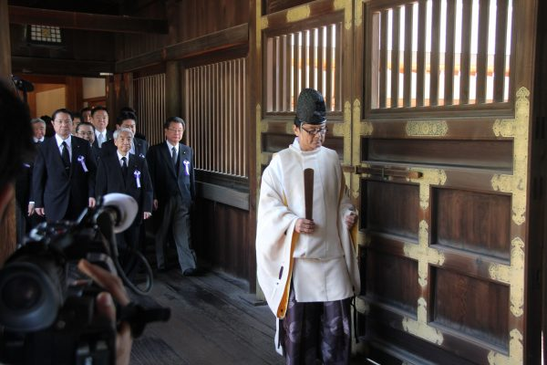 Tomomi Inada and other cabinet ministers have routinely visited the controversial Yasukuni war shrine [Xinhua]