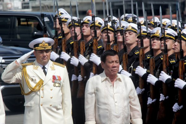 Philippine President Rodrigo Duterte (R) inspected soldiers from the Russian anti-submarine destroyer Admiral Tributs at a pier in Manila last week [Xinhua]